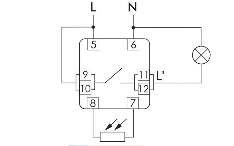 Автомат оснащен схемой помехо-защиты отложных срабатываний при случайном освещении или затемнении фотодатчика.